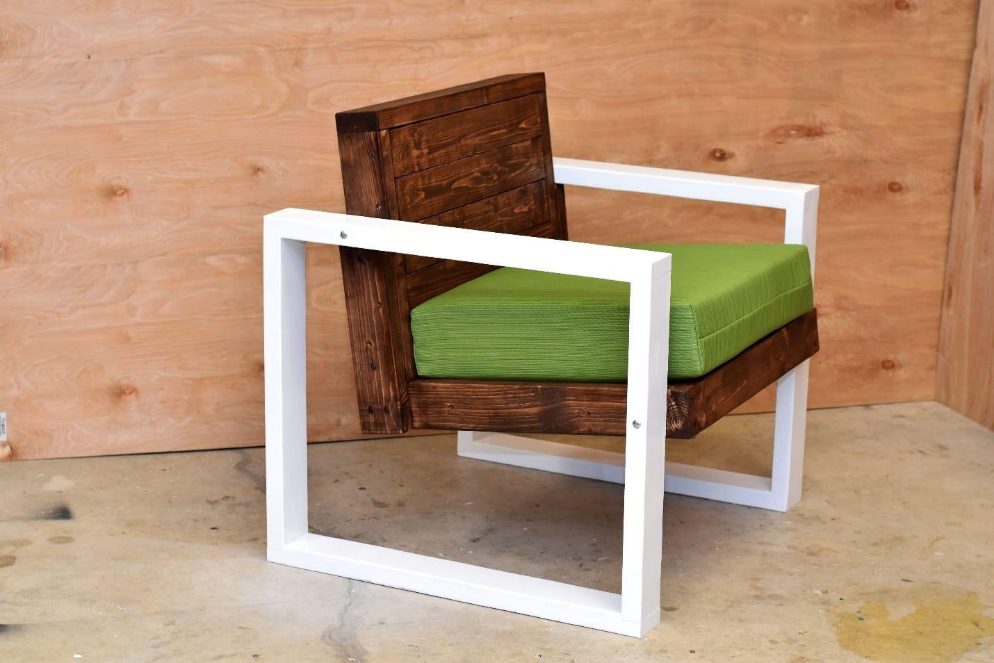 Modern outdoor chairs