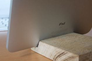 DIY Wooden iPad Dock