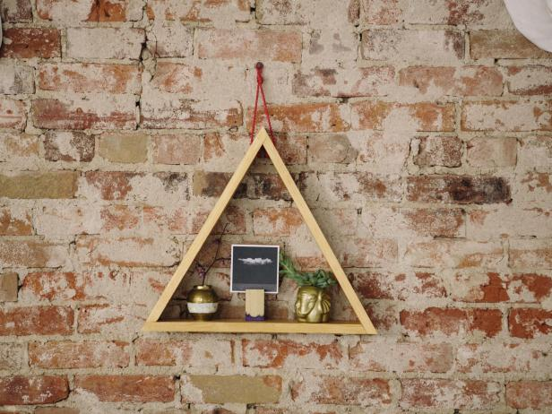 Wooden triangle shelves diy