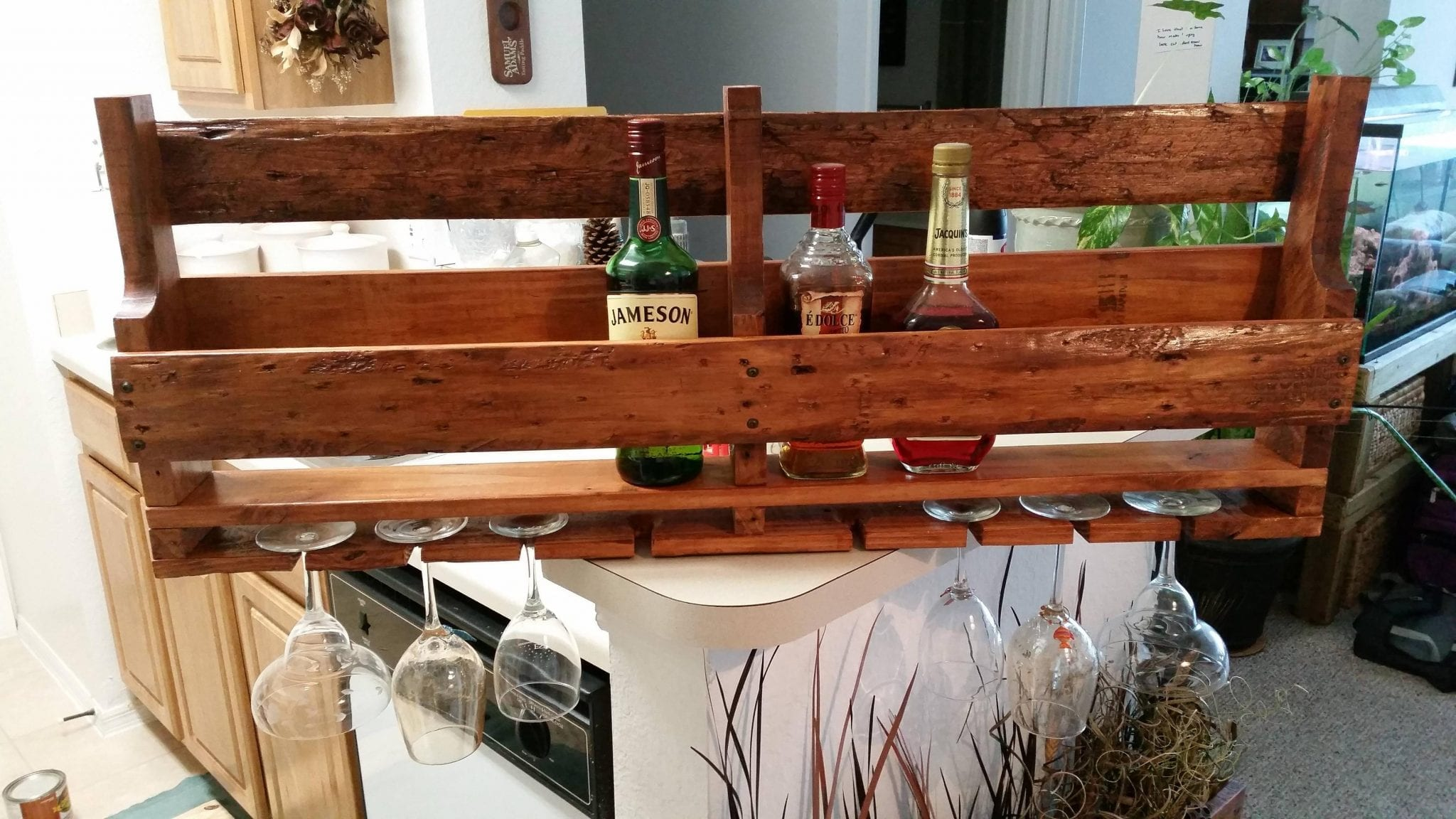 1 Wooden Stand For Keeping Glass And Bottles