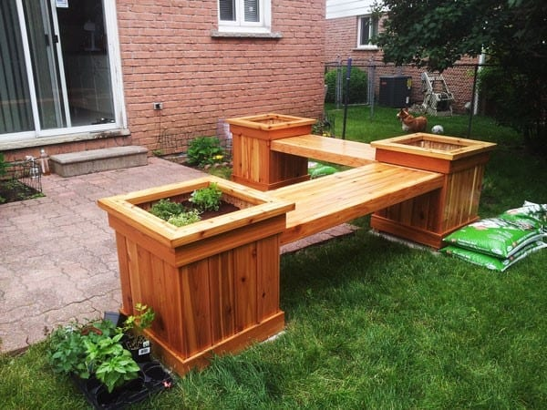 24 woodworking project ideas to enrich your garden cut for Tapered planter box plans