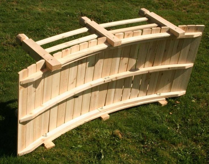 Building An Arched Footbridge For Your Garden Out Of Pallets And Lumber Can Be A Fun Quite Rewarding Hard Work We Are Presenting You Plan How To