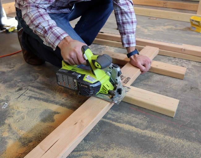 How To Build A Woodworking Bench Diy Project Cut The Wood