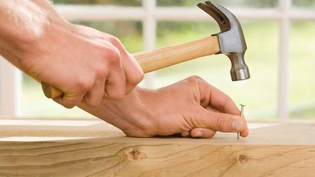 How to Use a Claw Hammer the Right Way – Cut The Wood