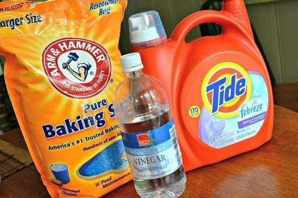 Baking Soda Detergent And Water 1