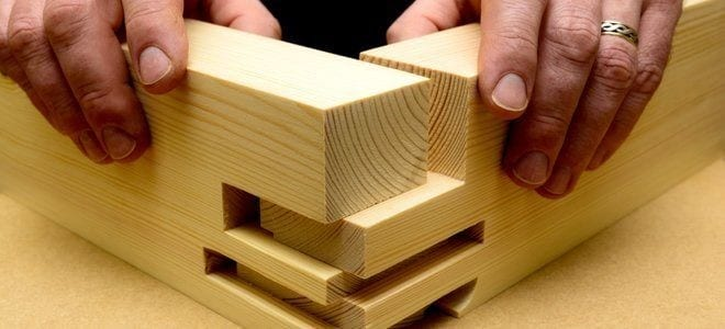 How To Join Two Pieces Of Wood At 90 Degrees Cut The Wood