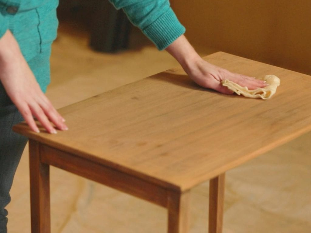 Using Lemon Oil For Scratches On Wood Step 3