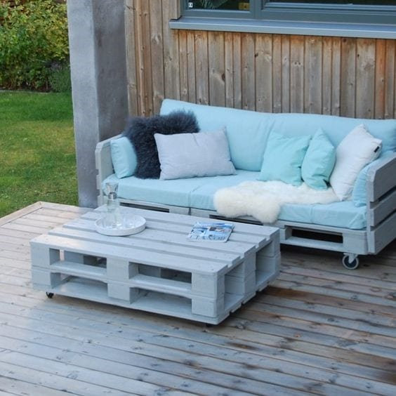 Pallet Patio Coffee Table 3