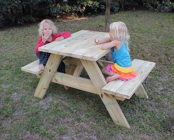 The Connected Picnic Table