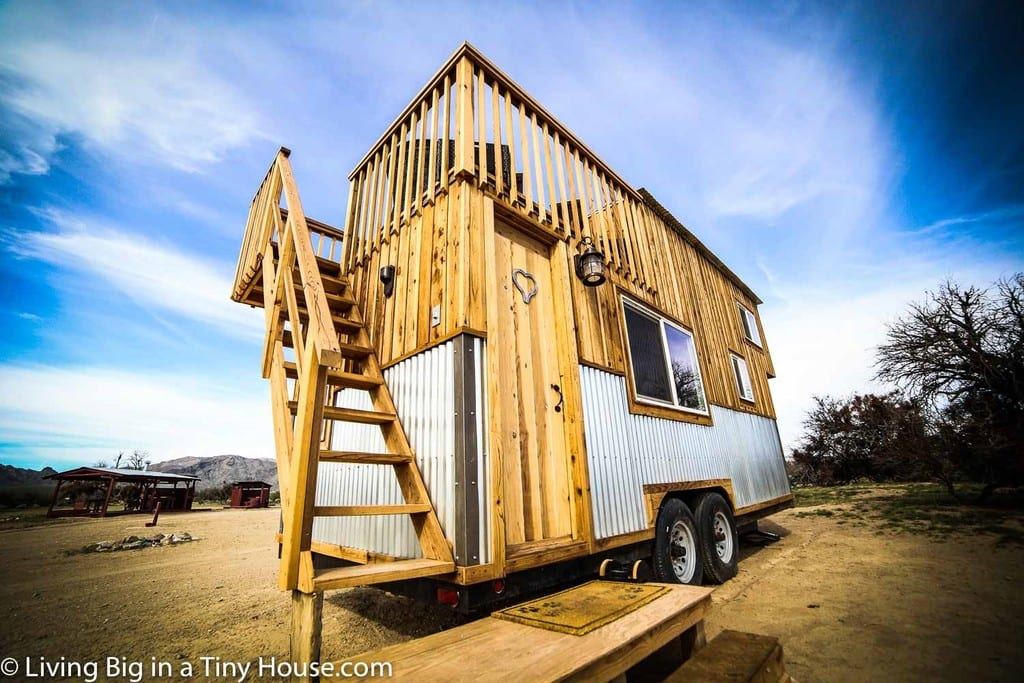Tiny House With Rooftop Balcony