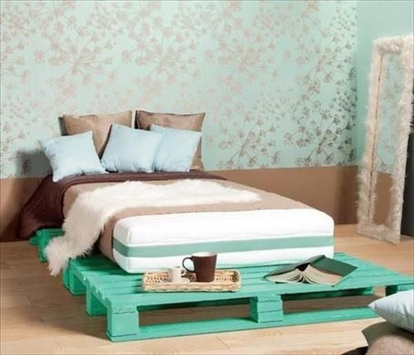 Bright Neon Green Pallet Bed Adorned On Gold And Green Wallpaper