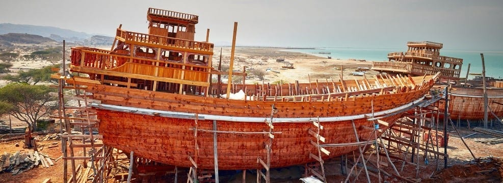 Can The Ancient Building And Navigational Knowledge Of Lenj Boats Survive The Winds Of Change