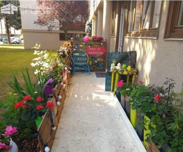 Cute Pallet Fence For Your Garden