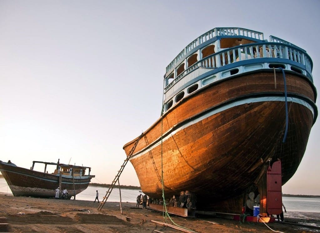 Digging Deeper Into The Very Roots Of Iranian Lenj Boats