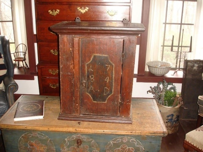 Early American Colonial Design Cabinet