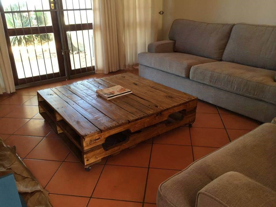 Large Pallet Low Coffee Table For Living Room