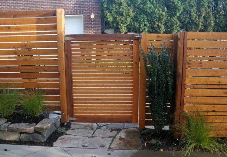 Pallet Fence For A Small Home