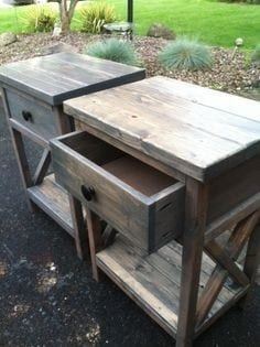 Pallet Nightstand With A Criss Cross Pattern