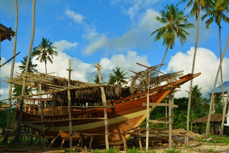 Pinisi The Indigenous Sailing Craft Of Indonesia Evolving Generations Of Talented Boatbuilders