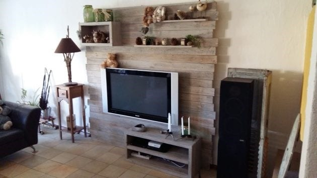 Wall Pallet Tv Stand