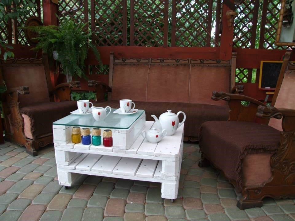 White Double Decker Pallet Coffee Table